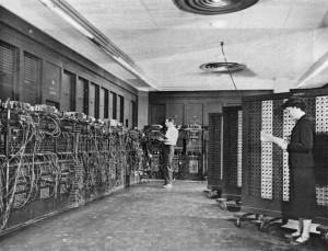ENIAC - প্রথম আবিষ্কৃত কম্পিউটার (ছবিঃ উইকিপিডিয়া)