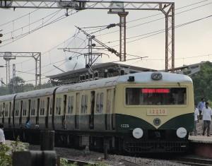 800px-ChennaiEMUNew