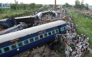 train-derail-in-india-620x384